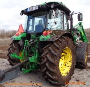 Трактор в г...1