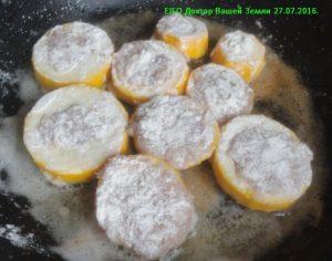 Колечки цукини с фаршем на сковороде